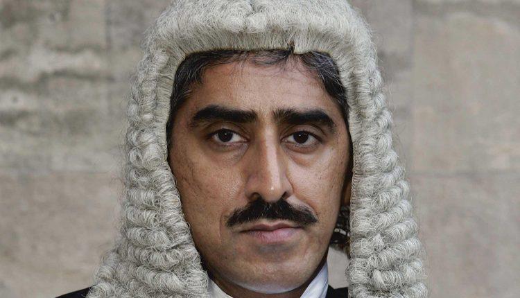 कुलभूषण केस : वह पाकिस्तानी वकील जिसने ICJ में भारतीय वकील हरीश साल्वे के सामने घुटने टेक दिए…