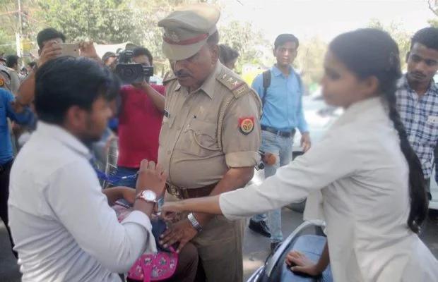 """अब जयपुर पुलिस ने बनाया """"एंटी-रोमियो"""" दस्ता, दो-दो महिला कांस्टेबलों वाली 26 टीमें कसेंगी मनचलों पर लगाम"""