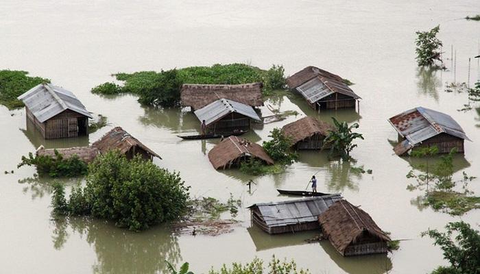 असम में भारी बाढ़ से अब तक 26 लोगों की मौत, 4 लाख से ज्यादा प्रभावित
