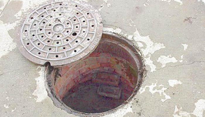 सीवर साफ करने उतरे 3 कर्मचारियों की मौत, जल बोर्ड ने कहा नहीं दी थी अनुमति
