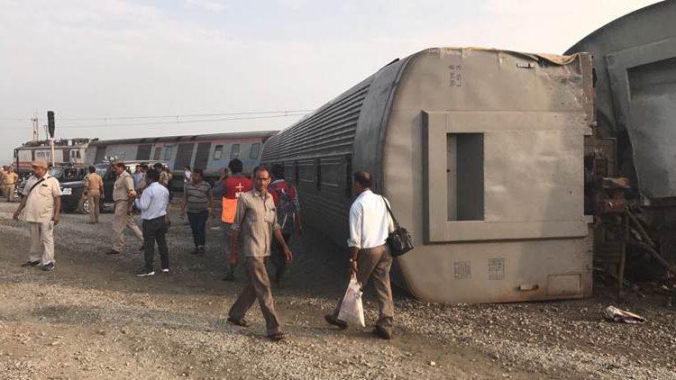 UP: कैफियत एक्सप्रेस हादसे के बाद 7 ट्रेनें रद्द, 40 के रूट बदले