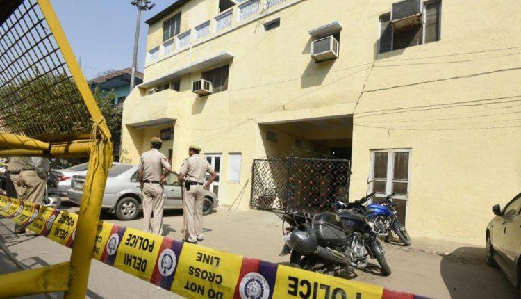 दिल्ली: घर में चार महिलाओं सहित गार्ड की हत्या