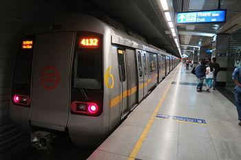 दिल्ली मेट्रो का बढ़ा किराया लागू, 5 माह में दोगुना हुआ