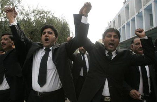 दिल्ली में छह जिला अदालतों के वकीलों की हड़ताल
