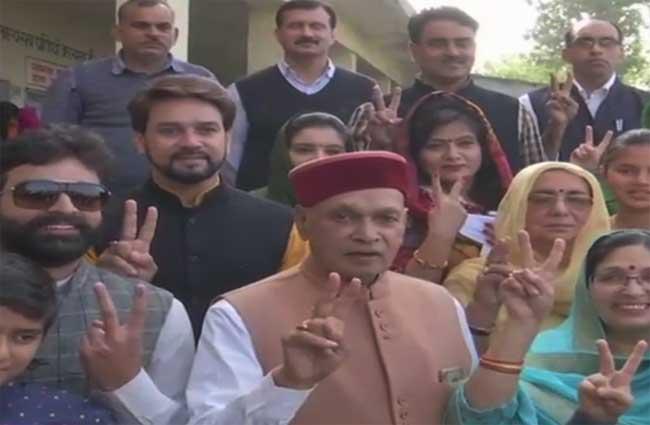 LIVE: हिमाचल चुनाव 2017: दो बजे तक 54.9 फ़ीसदी  मतदान