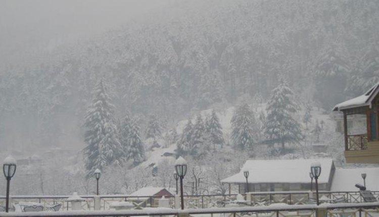 रोहतांग में 4 इंच ताजा बर्फ, मढ़ी-कोकसर में भी हुई वर्फवारी
